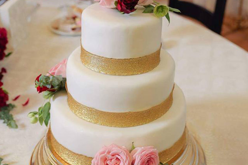 Tort nuntă cu marțipan